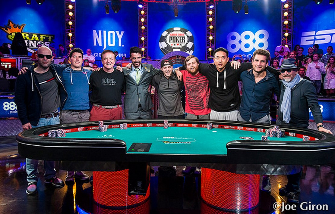 WSOP ME Final Table: Negreanu's tragedy and a quick visit card