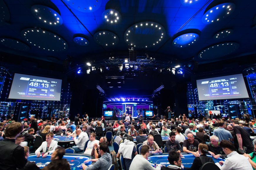 NEIL0828_EPT11MON_Tournament_Room_Neil Stoddart-thumb-3427x2284-287809